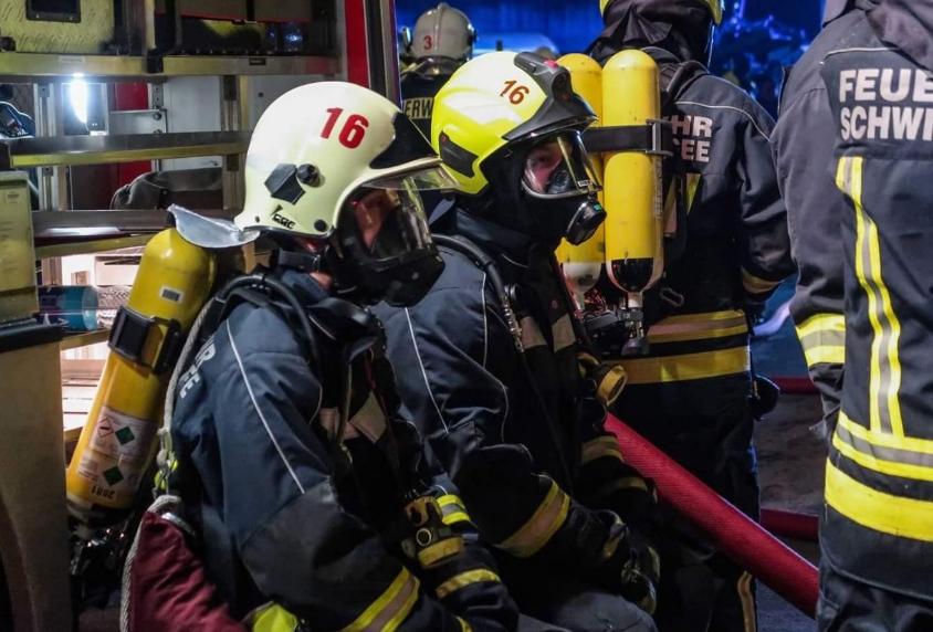 Angriffstrupp der Feuerwehr Geltow in bereitschaft