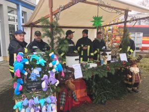 Weihnachtsmarkt Stand des Fördervereins der Feuerwehr Geltow 2017.